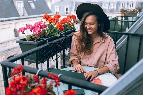 How one freelancer makes $8k per month while only working 60 hours